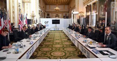 """El G7 prometió ayuda financiera al programa COVAX para una distribución """"rápida y equitativa"""" de las vacunas contra el COVID-19"""