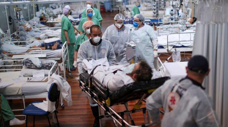 Los casos semanales de COVID-19 a nivel mundial bajaron por primera vez desde febrero