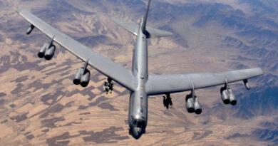 EE.UU. envía más bombarderos y aviones de combate a Oriente Medio en medio de la retirada de las tropas de Afganistán