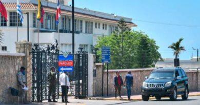 Bajo estrictas medidas de seguridad se desarrolla la reunión del presidente Abinader con ministros