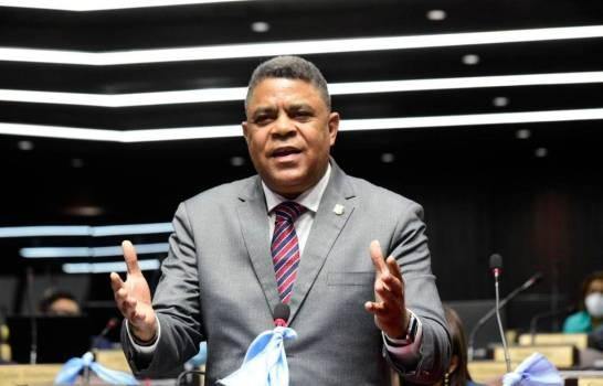 Someten proyecto de ley para que no prescriban acciones penales contra la corrupción