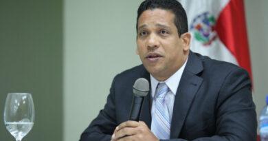 Director de Compras revela mafia de proveedores del Estado, dice deben ser sancionados con más severidad