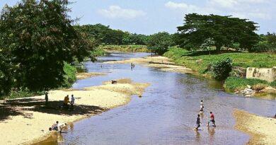 Discusión por río Masacre enfrenta haitianos y dominicanos en Dajabón