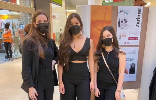 Estudiantes de INTEC exponen potencial de la industria manufacturera local en Ágora Mall
