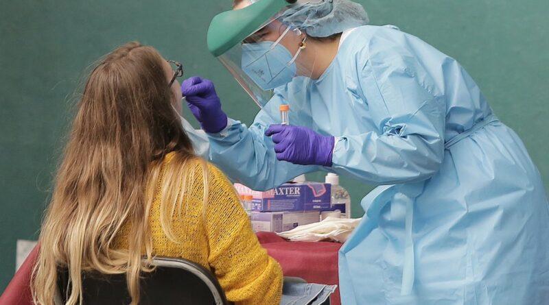 COVID-19: los recuperados son inmunes por meses, pero hay un alto riesgo de que contagien a otros, según un estudio