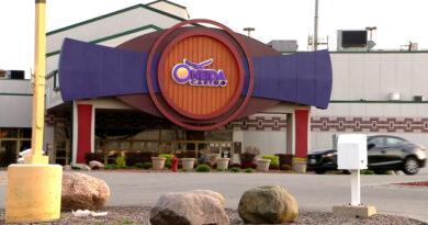 La policía dispara fatalmente al pistolero que mató a 2 en el casino de Wisconsin