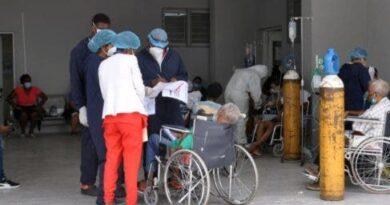 Hospitales con pacientes en parqueo; faltan camas covid