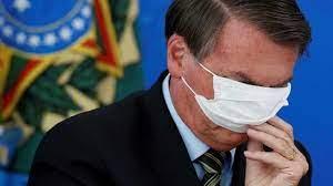 Un estado de Brasil multó a Bolsonaro por causar aglomeraciones y no usar mascarilla