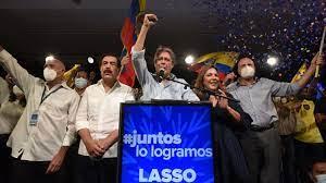 Asume Lasso en Ecuador, acechado por la crisis de la pandemia y la sombra de Rafael Correa