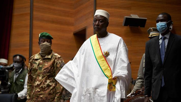 Liberan al presidente y primer ministro de Mali derrocados en nuevo golpe de Estado