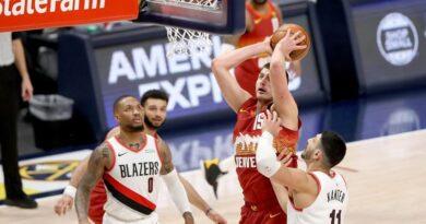 Nikola Jokic deja sin efecto gran actuación de Lillard y los Nuggets igualan su serie ante Portland