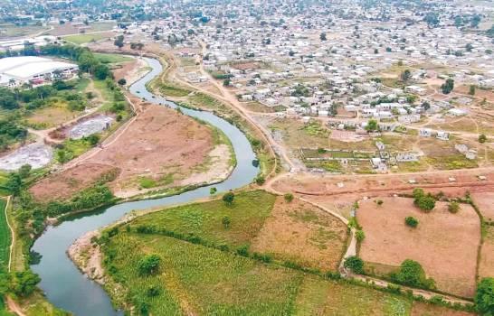 Cancilleres de RD y Haití asumen discusión en conflicto del río Masacre