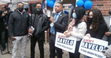 Sammy Ravelo reafirma compromiso de transformar El Bronx si es electo presidente del condado en inauguración de comando