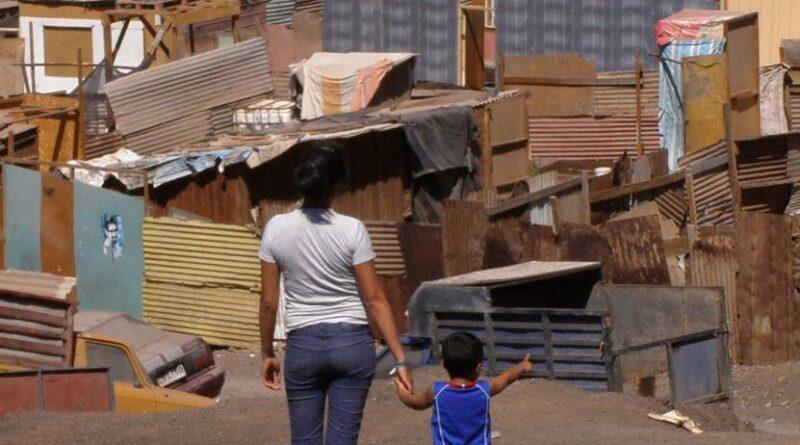Millones caen de clase media a pobres