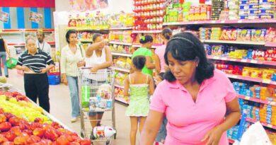 Familias excluyen productos de dieta frente alzas precios