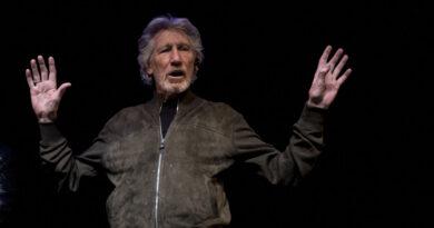 """""""¡Vete a la mierda! ¡De ninguna manera!"""": La dura respuesta de Roger Waters a la petición de Zuckerberg de usar su canción para promover Instagram"""