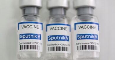 Creador de Sputnik V asegura que la vacuna rusa protege contra los casos graves casi al 100 % pese a la aparición de nuevas cepas del coronavirus