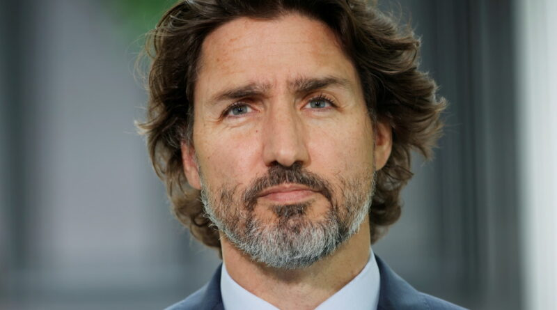 Justin Trudeau: El Papa debería disculparse en suelo canadiense por el papel de la Iglesia católica en las escuelas indígenas