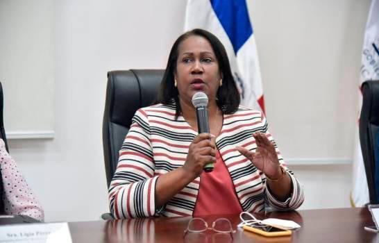 Los maestros celebran día con pago de junio atrasado