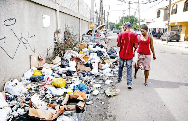 Ayuntamiento Santo Domingo Este socializa proyecto de planta de reciclaje con sectores sociales