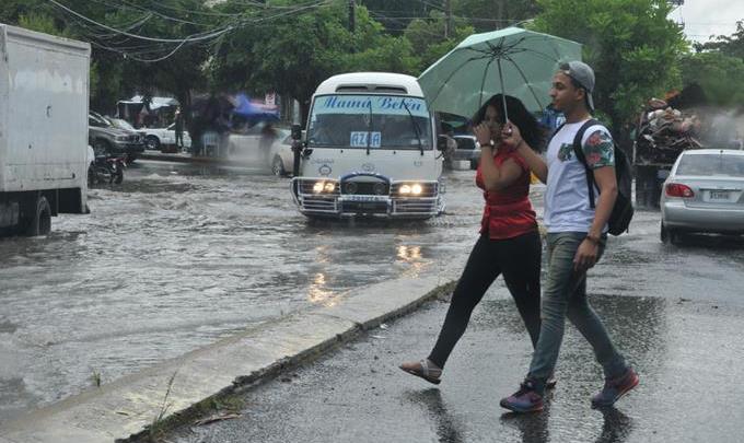 Ahora son 13 las provincias declaradas en alerta por lluvias