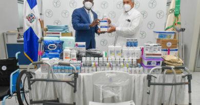 CONAPE recibe sillas de ruedas, alimentos, medicinas y otros insumos