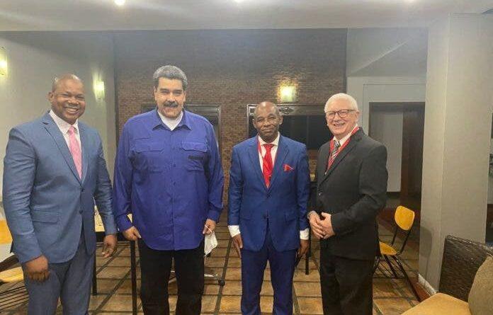 Diputados dominicanos se reúnen con Nicolás Maduro en Caracas