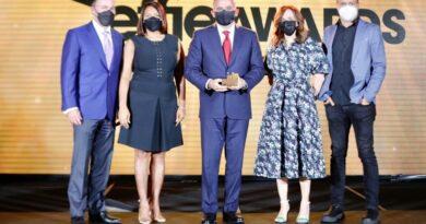 Effie galardona a Sanar una Nación por su campaña Multiplicar es Sanar