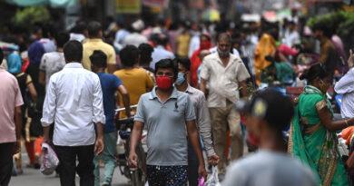 India registra la mayor baja de casos desde abril con 70.000 contagios