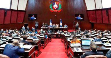 Poder Ejecutivo deposita adenda a un contrato explotación hidrocarburos en SPM