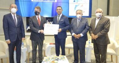 Universidad española reconoce labor de la revista País Dominicano Temático y a su director Menoscal Reynoso