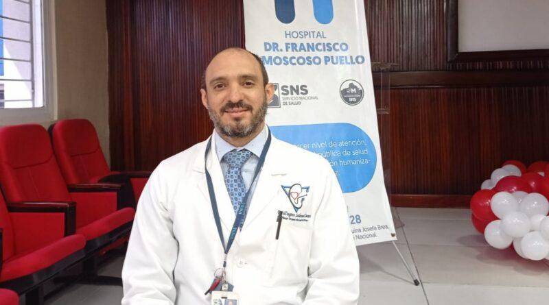 Urólogo del Moscoso Puello advierte cáncer de próstata inicia sin síntomas