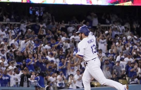 Buehler lidera a Dodgers, que se imponen a Gigantes
