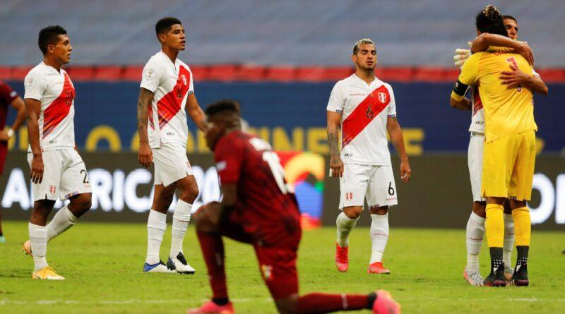 Perú vence, se afirma como escolta de Brasil y elimina a Venezuela