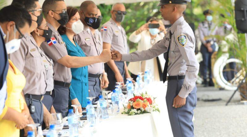 A partir de hoy integramos 927 nuevos policías para los servicios de seguridad ciudadana