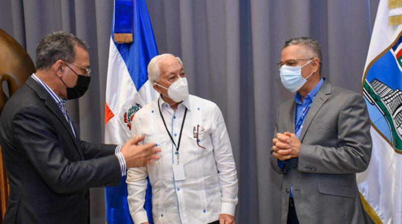 Academia de Ciencias apoyará identificación de lugar para depósito y revalorización de residuos sólidos de Santo Domingo Este
