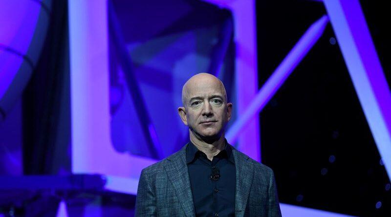 Caja de datos: el viaje de Jeff Bezos desde el garaje suburbano hasta el borde del espacio