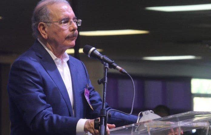 Danilo Medina vive los efectos de una secuencia que empezó hace unos 18 meses dentro del PLD