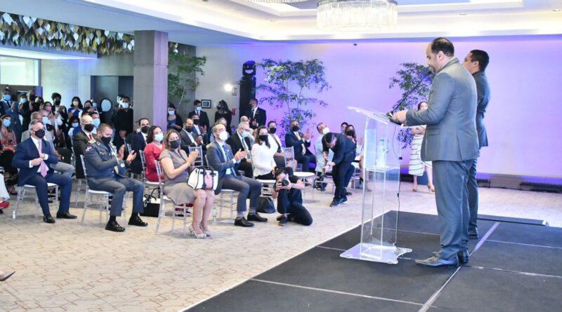 Defensor del Pueblo sostiene ha resuelto 20 casos de derechos colectivos