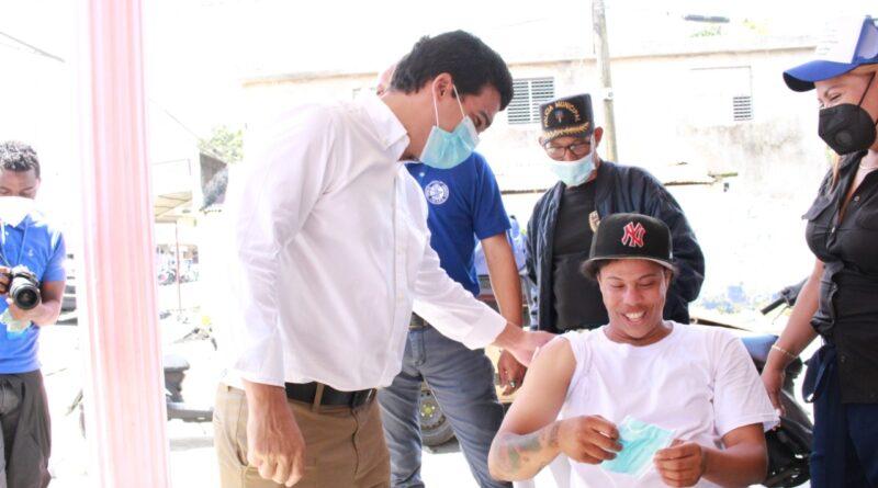 Director del INAPA encabeza amplia jornada de vacunación en Bonao, Monseñor Nouel