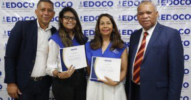 EDOCO gradúa a decenas de jóvenes que participaron en el Diplomado de Oratoria y Maestría de Ceremonias
