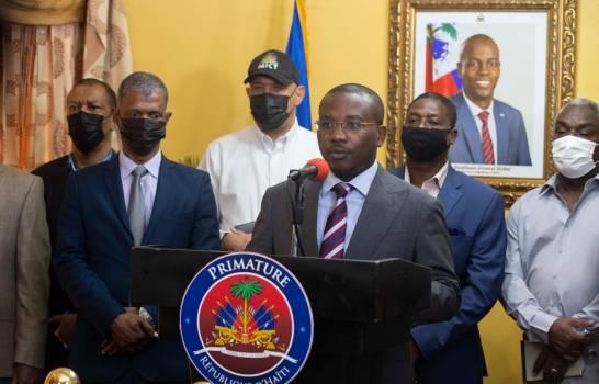 EEUU envía una misión a Haití para hablar con los tres aspirantes al poder