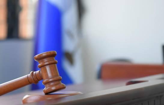 Envían a prisión a dos hermanos por agredir a un teniente y dos rasos de la Policía en Higüey