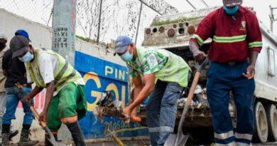 Ayuntamiento de Santo Domingo Este ejecuta operativos de recogida de basura