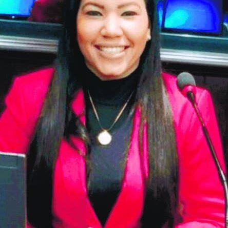 Renuncia diputada del PLD por San Juan