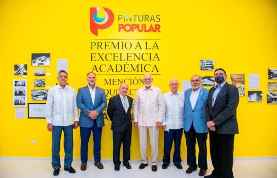 Inauguran exposición Premio Excelencia Académica José Antonio Caro Álvarez