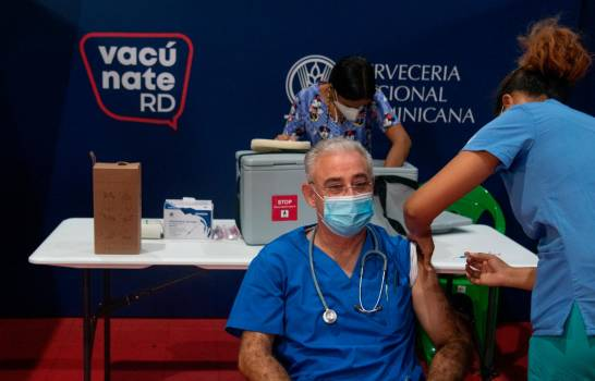 República Dominicana inicia la aplicación de la tercera dosis de vacuna contra el COVID-19