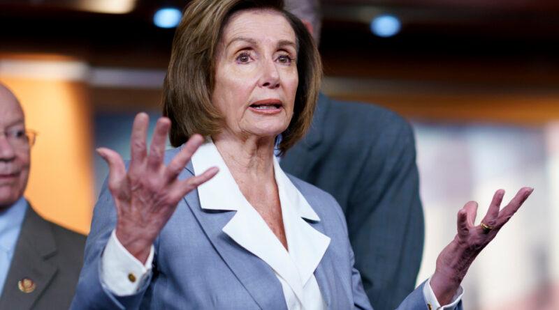 Pelosi prohíbe a los aliados de Trump de la investigación del 6 de enero; El Partido Republicano promete boicotear