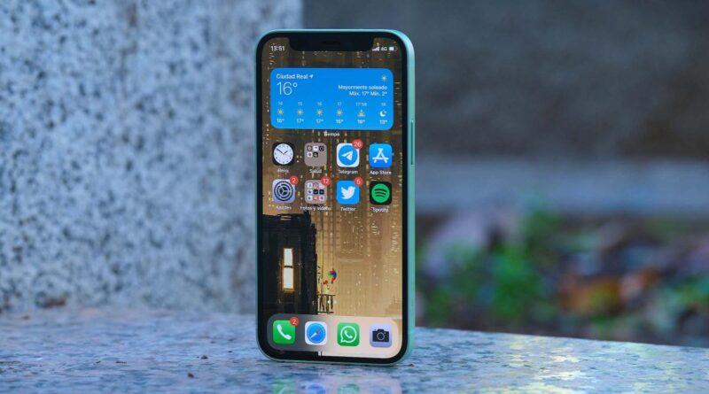 Apple podría estar trabajando en un iPhone 'Low Cost' de pantalla grande