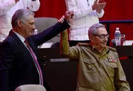 Raúl Castro reapareció en una reunión del Partido Comunista tras las históricas protestas contra la dictadura de Cuba